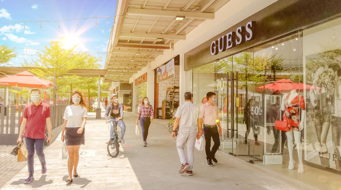 GUESS opens its first outlet store in Batangas at 'The Outlets at Lipa'